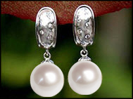 small-pearl-earrings
