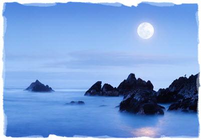 full-moon-arising-in-the-east